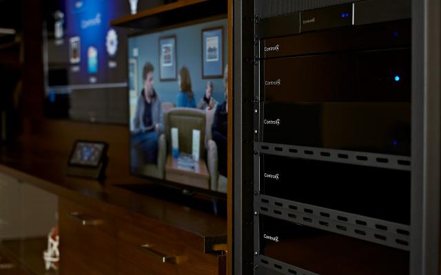 Novinky Control4 – nové dotykové panely řady T3 7″ a 10″ a vylepšený dálkový ovladač SR260